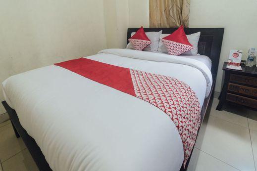 OYO 1872 Sakinah Grand Soabali Hotel Ambon - Bedroom