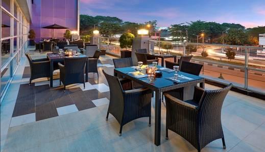Hotel Neo Palma - Palangkaraya by ASTON Palangkaraya - Restaurant Outdoor