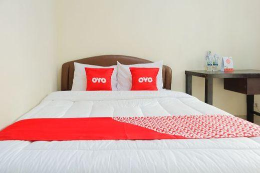 OYO 1584 Mamandas Mansion Jakarta - Bedroom