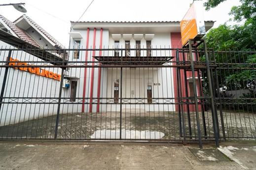 KoolKost Syariah near TerasKota BSD Tangerang Selatan - Photo