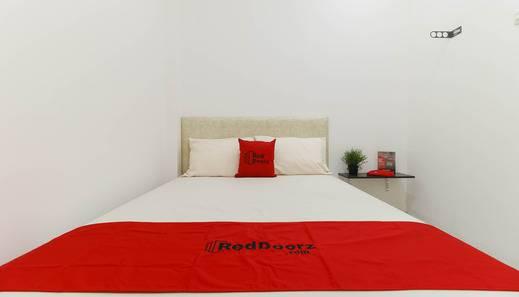 RedDoorz Plus @ Kapuk Business Park Jakarta -   room