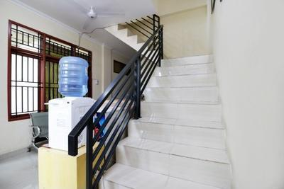 Airy Eco Ratu Indah Mawas Lima 2 Makassar - Stairs