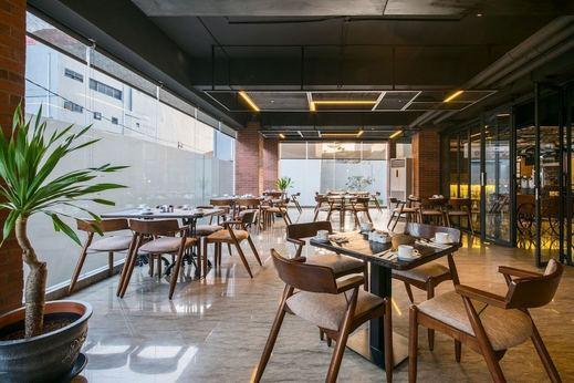 Luminor Hotel Pecenongan Jakarta Jakarta - Food Court