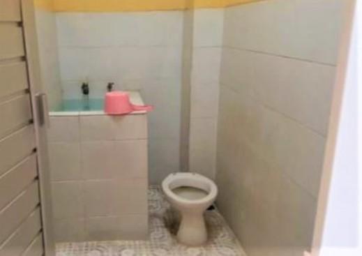 Penginapan Nudin Pecalukan Tretes Pasuruan - Bathroom