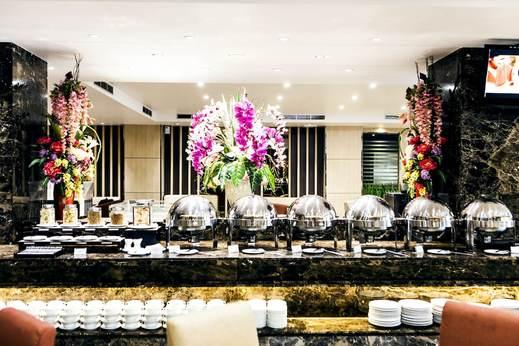 Hotel Orchardz Industri Jakarta - Buffet