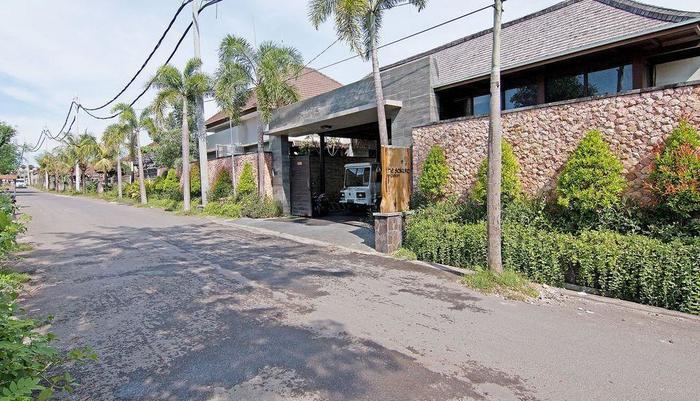 ZenRooms Jimbaran Jepun Bali - Tampak luar