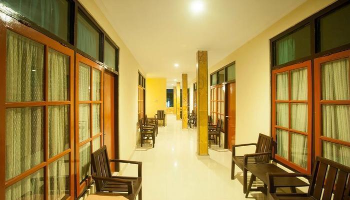 Hotel Catur Adi Putra Bali - Koridor