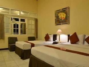 Hotel Indah Palace Tawangmangu - Palm