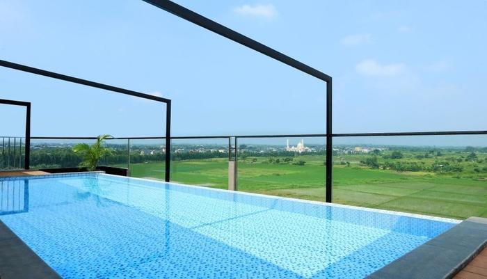 Lemo Hotel Tangerang - Pool