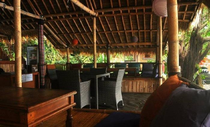 Kawi Karma Beach Cottages Amed - Ruang tamu