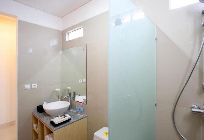 Harmony Suite Bali - Kamar mandi