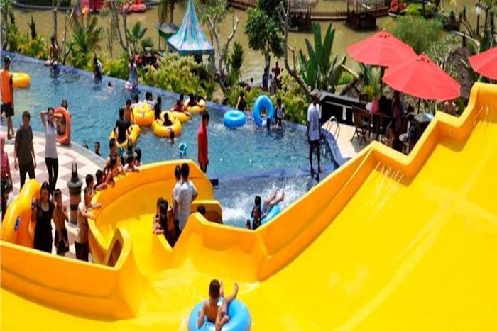 The Jhons Aquatic Resort Cianjur - Dragon Swimming Pool