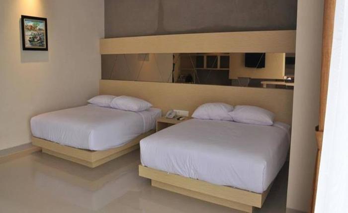 Emerald Hotel Pangandaran - Kamar tamu