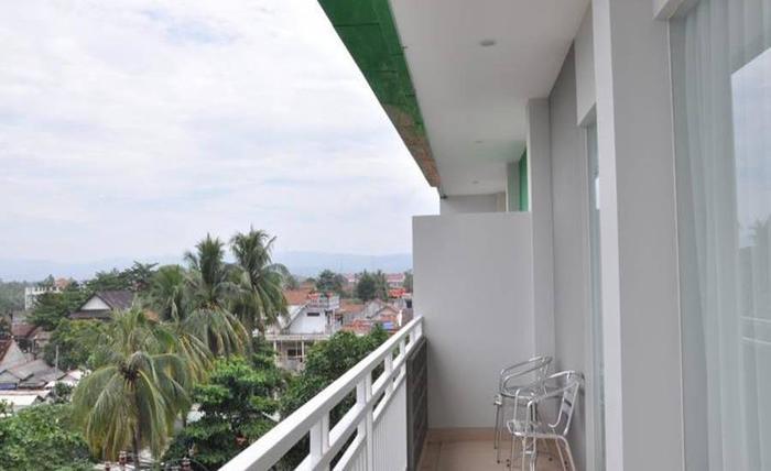 Emerald Pangandaran Hotel Pangandaran - Balkon