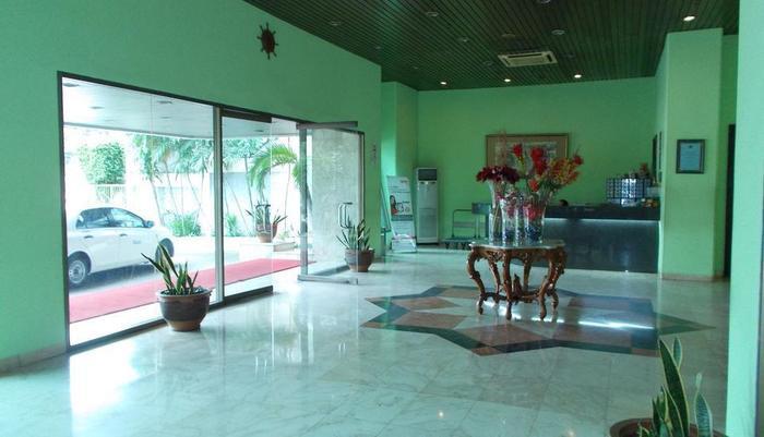 Hotel Alpine Jakarta - Loby Hotel