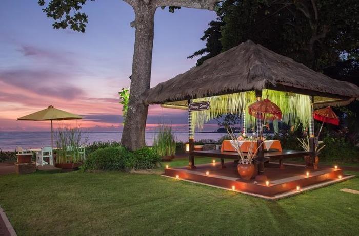 Aruna Senggigi Resort & Convention Lombok - Pemandangan Matahari Terbenam di Graha Sea View Restoran