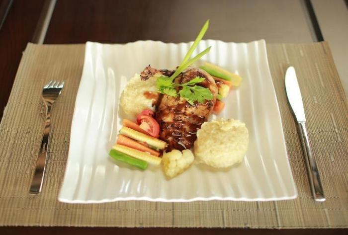 Aruna Senggigi Resort & Convention Lombok - Meal