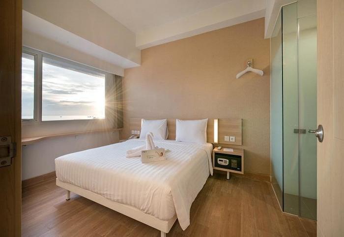 Whiz Prime Hasanuddin Makassar - Superior Double Room