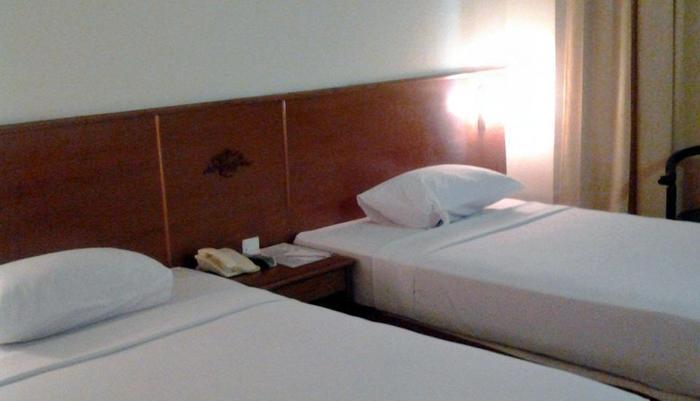 Hotel Satelit Surabaya - Superior Room -Twin Bed
