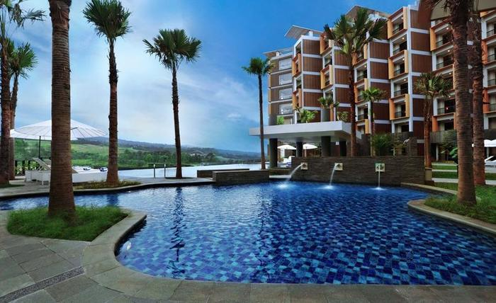 Aston Sentul Lake Resort & Conference Center Bogor - Kolam Renang