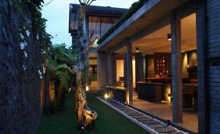 The Beautiful and Unique Omega Villa Bandung - Eksterior