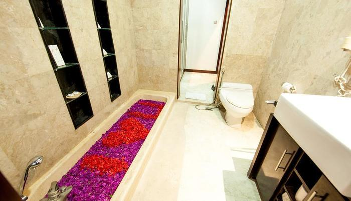 Bugan Villas Bali - indoor bathroom