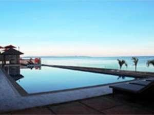 Hotel On The Rock Kupang - Kolam Renang