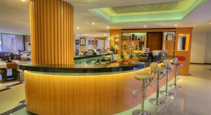ZenRooms Seminyak Pangkung Sari - Bar