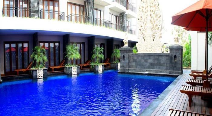 ZenRooms Seminyak Pangkung Sari - Kolam Renang