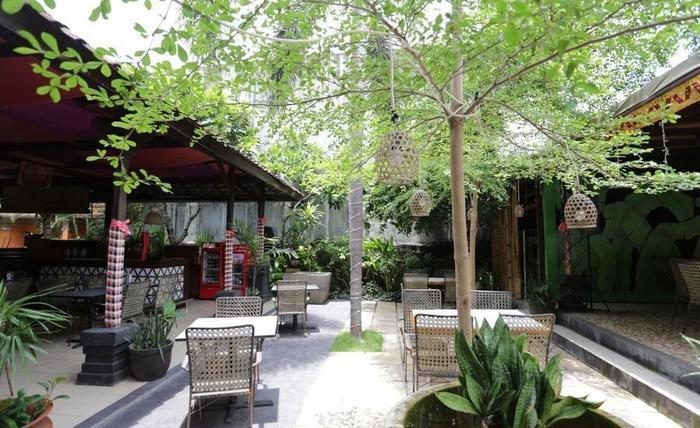 RedDoorz near Seminyak Beach Bali - Eksterior