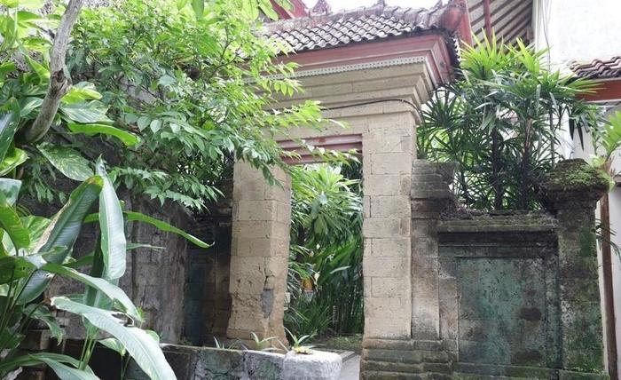 RedDoorz near Seminyak Beach Bali - Kamar tamu