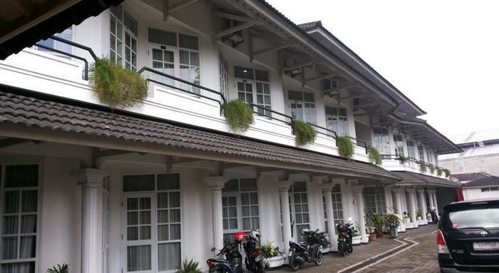 Hotel Crown Tasikmalaya - Eksterior