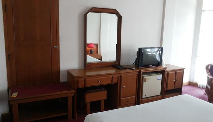 Hotel Crown Tasikmalaya - kamar tamu