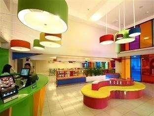 POP Hotel Cengkareng - Lobi