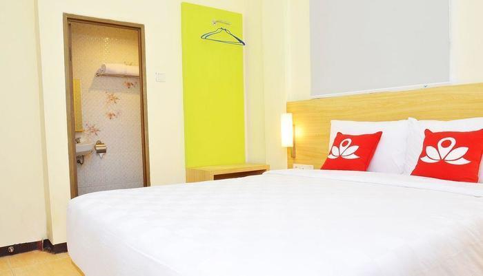 ZEN Rooms Raya Rungkut Surabaya - Kamar Double