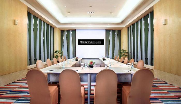 The Grove Suites Jakarta - Ruang Rapat