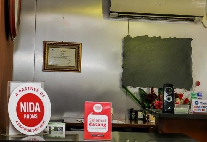 NIDA Rooms Pasir Kaliki BTU Bandung - Resepsionis