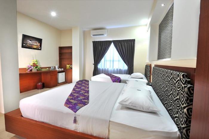Gaja Hotel Pekanbaru - Family (03/Feb/2014)