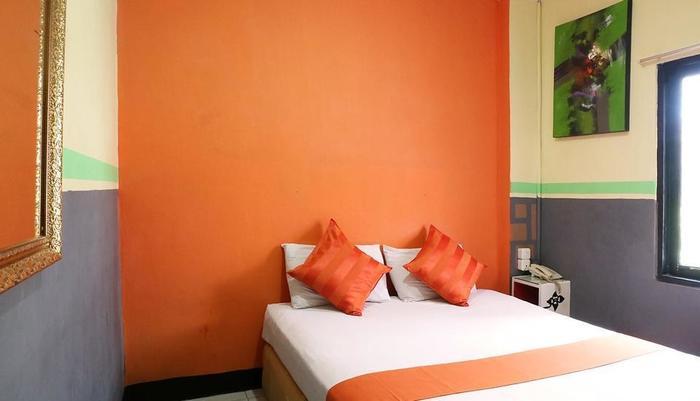 Hollywood Hotel Jakarta - Standard Room