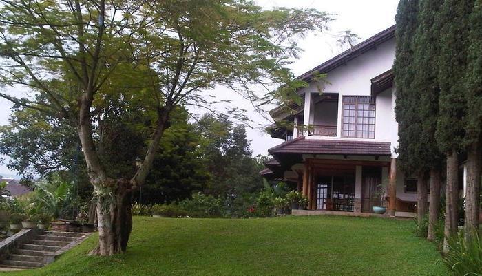 Villa Damos Bandung - Villa 4 kamar