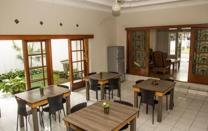 Elenors Home @Eyckman Bandung -