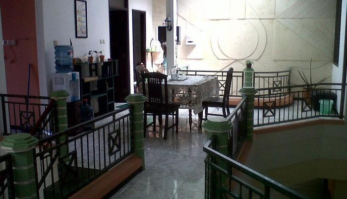 Family Guest House Malang - Balcon
