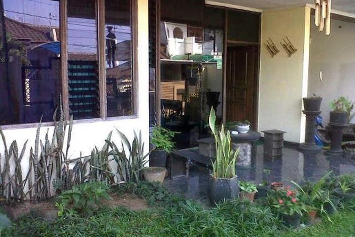 Family Guest House Malang - Eksterior