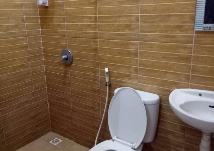 Family Guest House Malang - Toilet