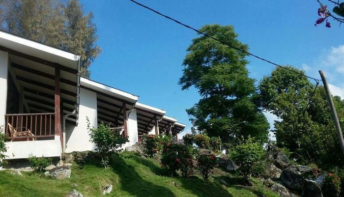 Hotel Silintong Samosir - PEMANDANGAN LUAR KAMAR STANDART