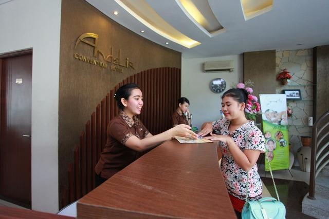Andelir Convention Hotel Semarang - Resepsionis