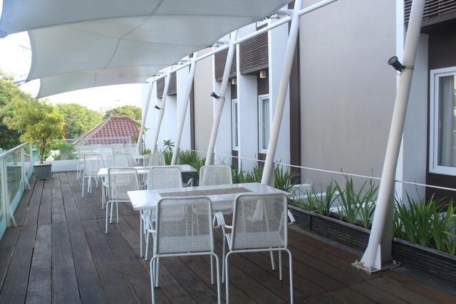 Andelir Convention Hotel Semarang - Balkon