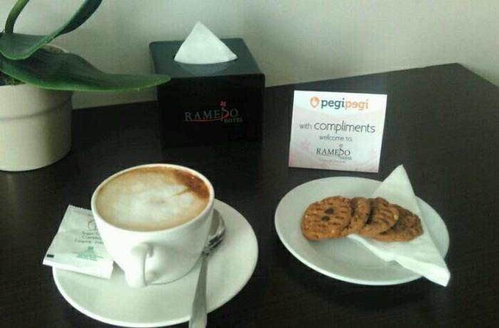 Ramedo Hotel Makassar - Free HiTea
