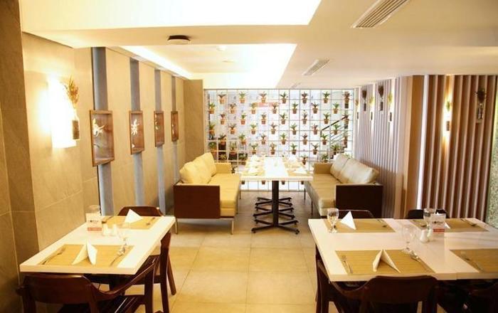 Ramedo Hotel Makassar - Facilities