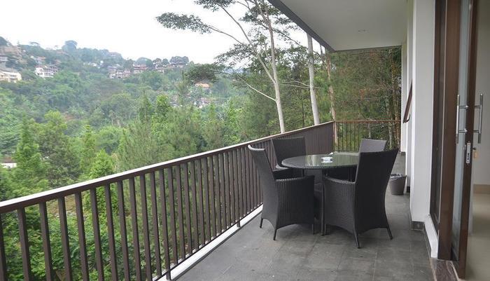 Cempaka 2 Villa Dago Private Pool Bandung - pic11